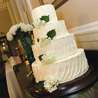 Buttercream Wedding Cake With Hydrangea