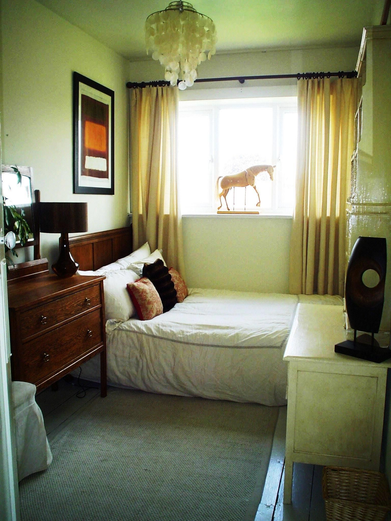 40 Space Saving Ideas For Small Bedrooms Very Small Bedroom