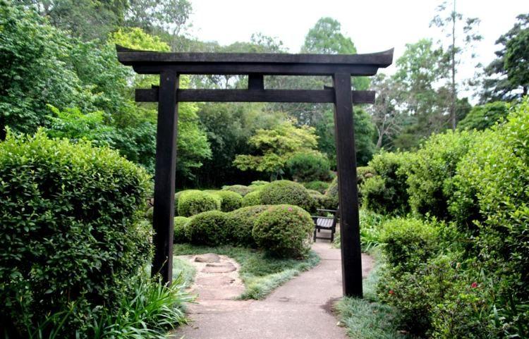 Jardin asiatique, ambiance zen et déco exotique en 25 idées   banc ...
