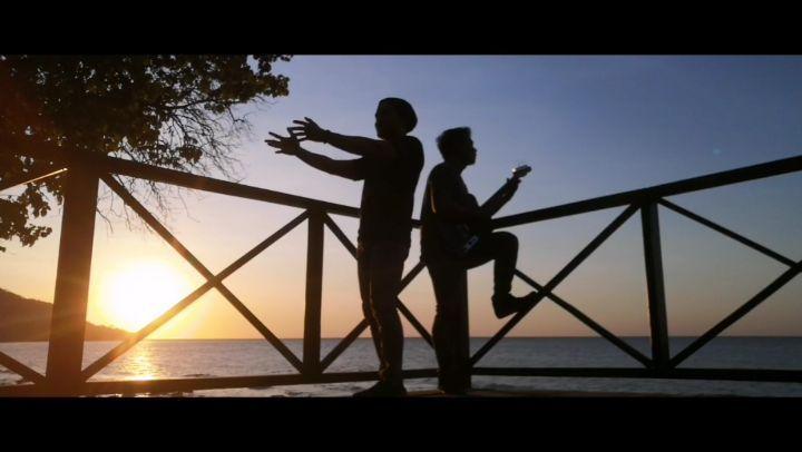 #sunset #sun #relax #wonderful #sunsetgram Donde esta el amor, del que tanto hablan#vocal #vocalist #singer #nomusic #song #latin #spanish #sunset #beach #nature #naturalbeauty #backpacker #traveler #indonesia #karaoke #huaweinova3i