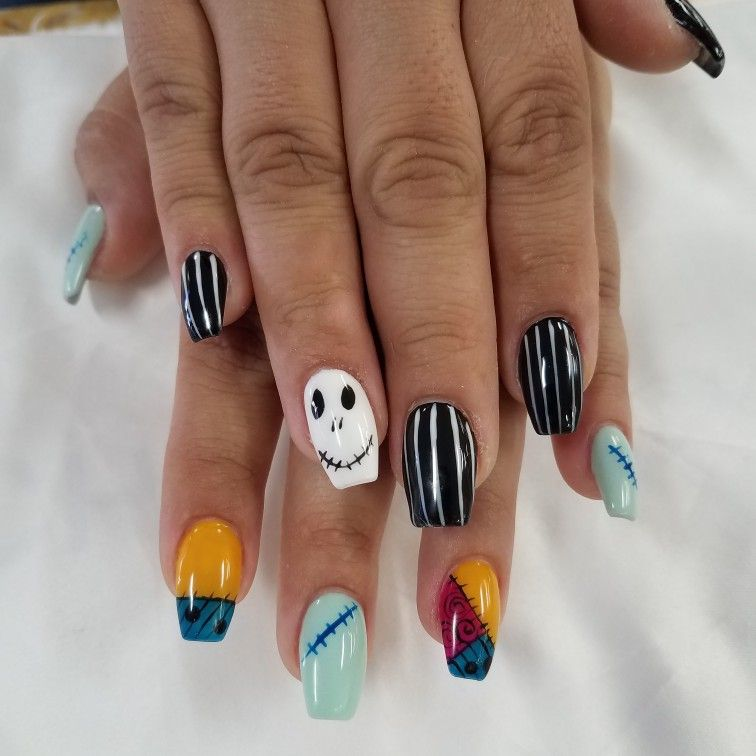 Jack and Sally nail art nightmare before Christmas Tim Burton ...