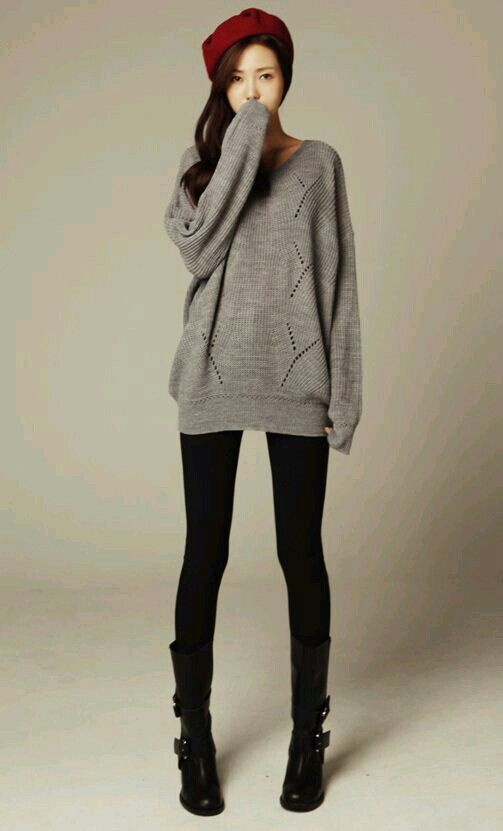 Fall / winter outfit. Grey oversized sweater, black tights, black ...