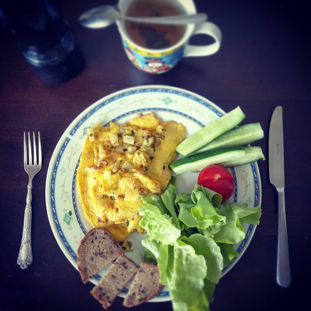 Fast! I need breakfast! 🍳☕👌 . . .    %2