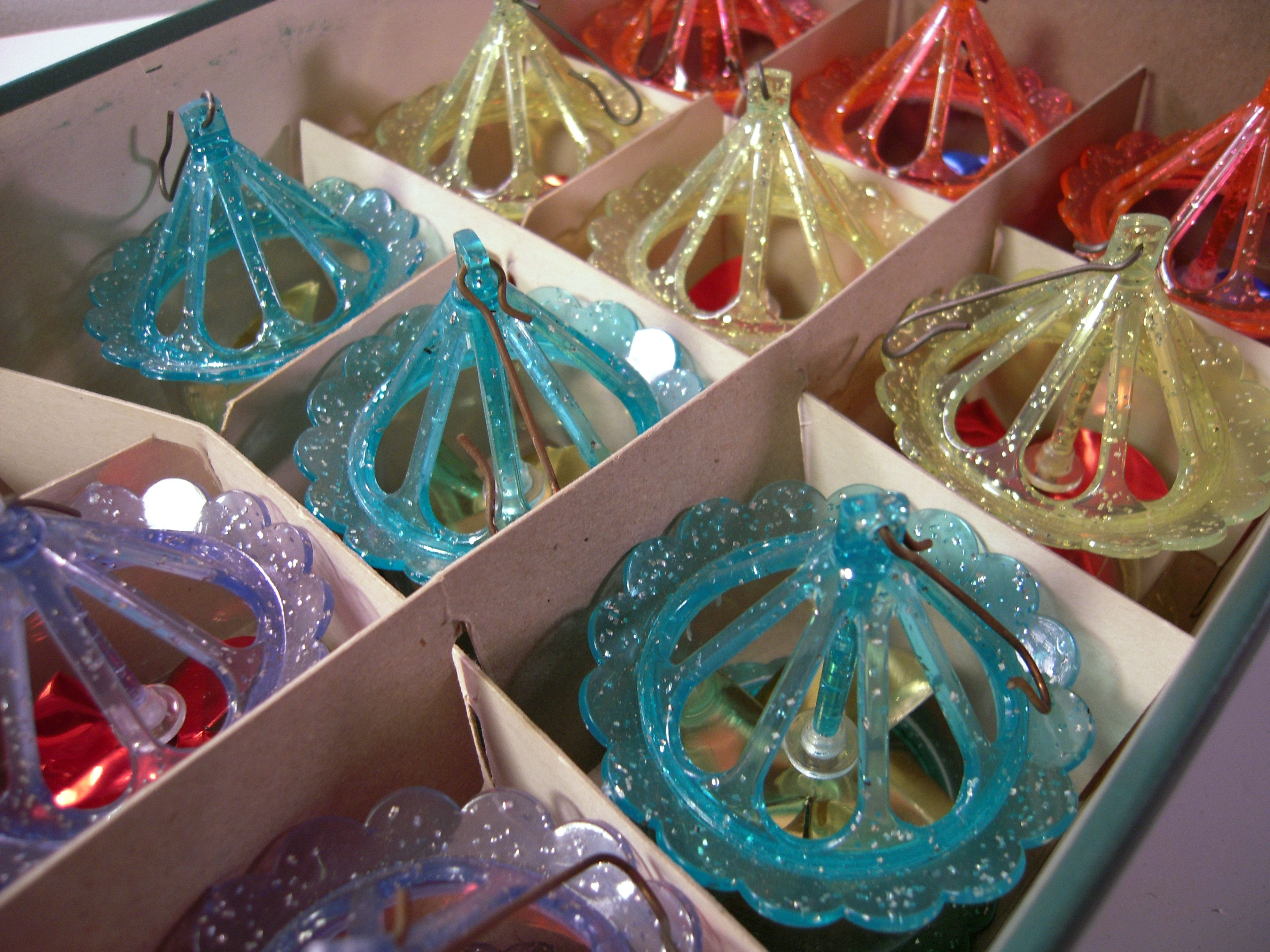 vintage christmas decorations 1950s google search modern christmas christmas past 1950s christmas