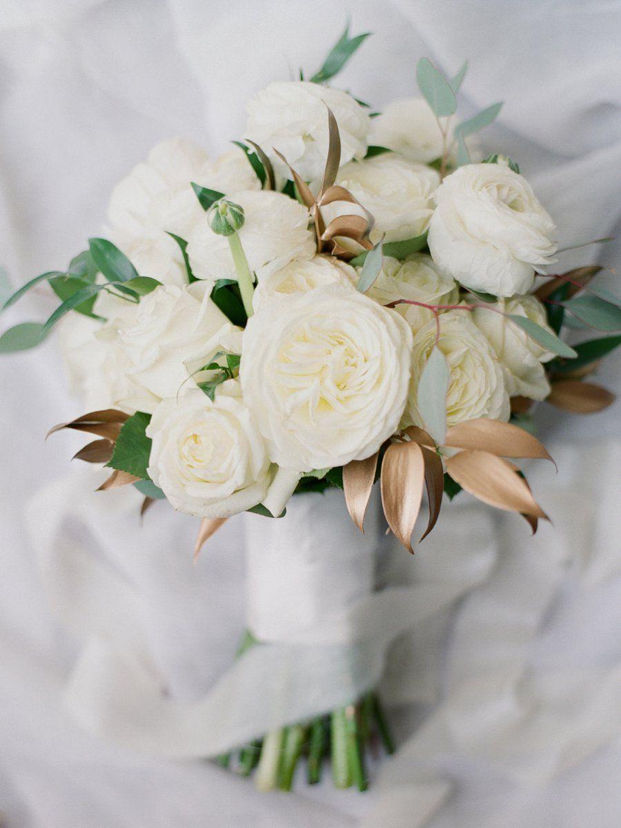 An Elegant White Gold Vinoy Wedding In St Pete Every Last Detail Wedding Vinoy Wedding Flowers