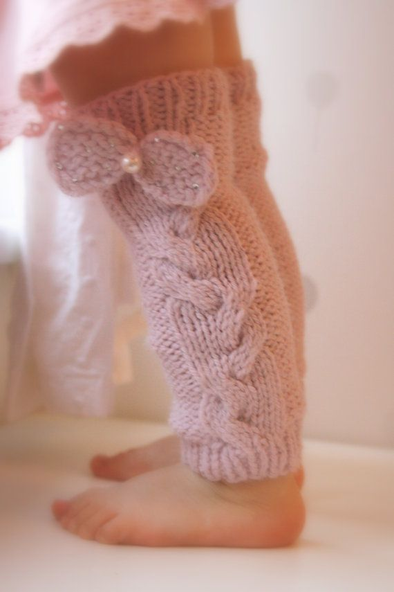 KNITTING PATTERN leg warmers with a cable and bow Lisandra (baby ...