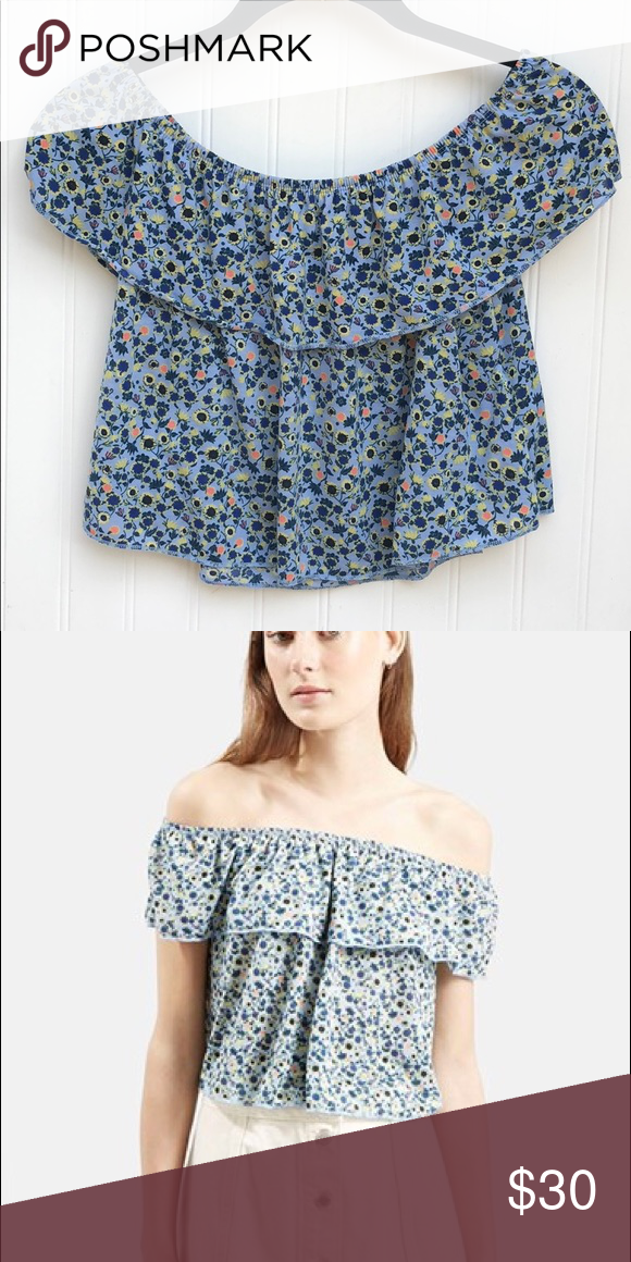 339668b7562 Topshop Off the Shoulder Top Can be worn on or off the shoulders! Cropped