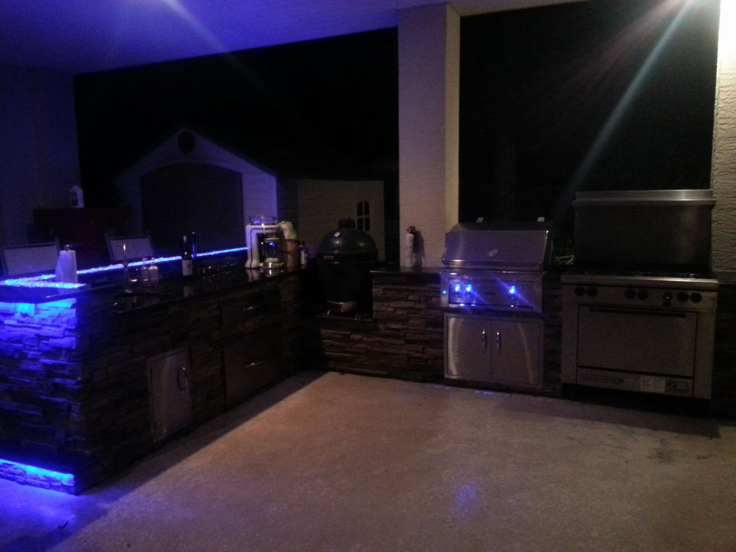 Outdoor Kitchens With Led Lighting 36 Photos Outdoor Living Design Outdoor Kitchen Led Outdoor Lighting