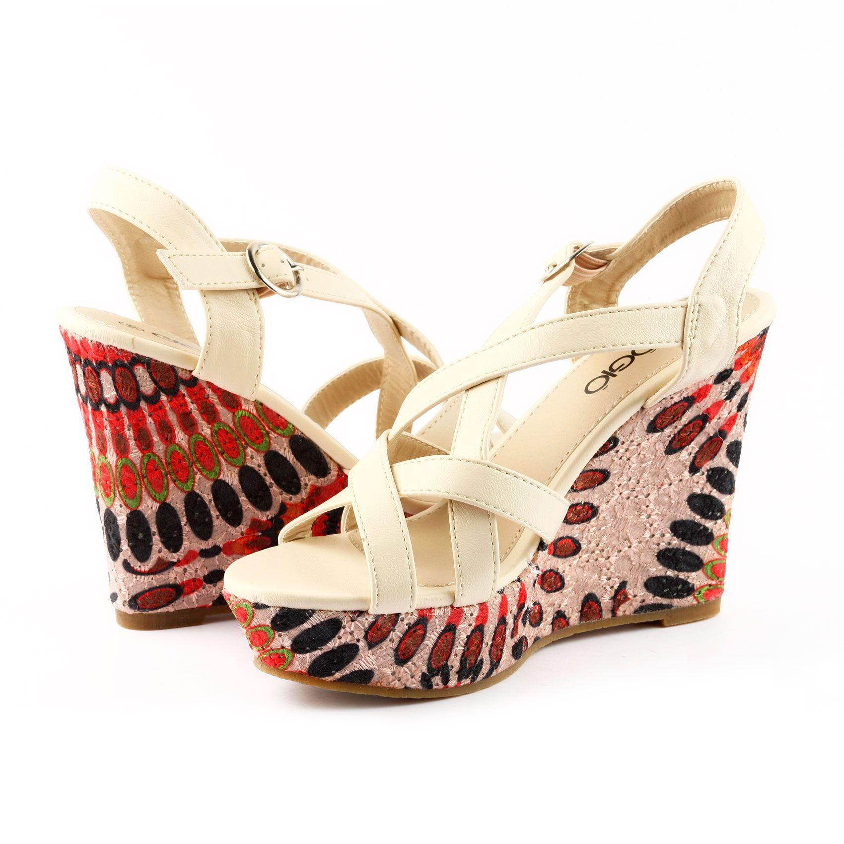 Sandalia marca Gio Gio, este y más modelos en www.zapacos.com   #shoes #sandalias #zapatos #moda #tendencia #fashion #trend #trendy