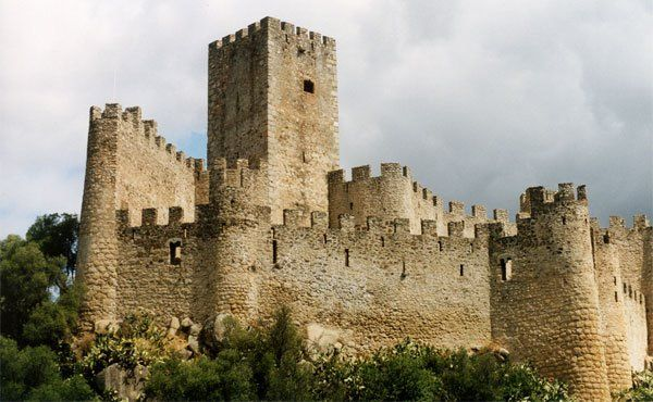 Portugal Castle Of Almourol Was Conquered In 1129 By Henry I The First Portuguese King And Placed In The Trust Of Gua Castle Medieval Houses Watch Tower