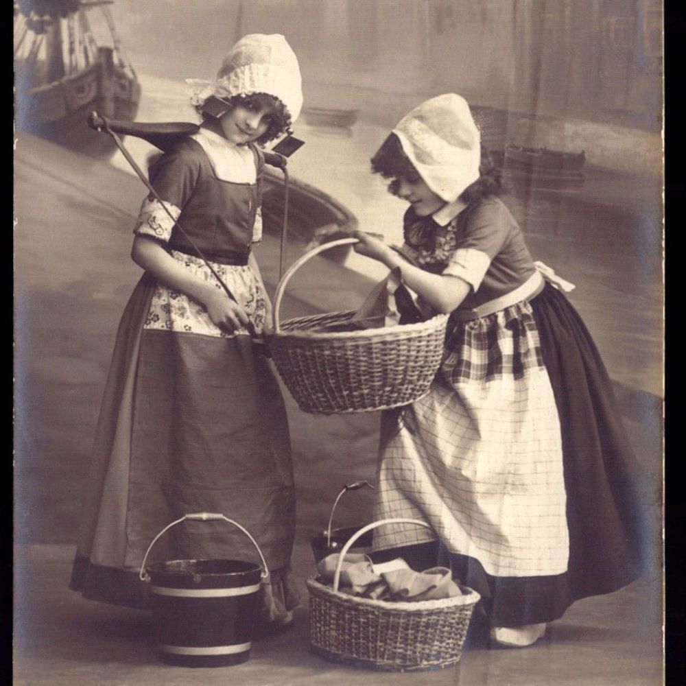 Old Real photo Postcard EDWARDIAN Pretty GIRL GRETE REINWALD+sister 1910 FANTASY