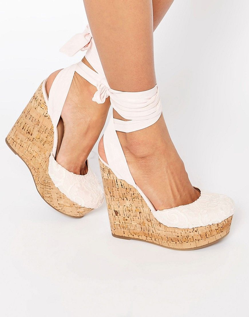 Achetez ASOS - ORACLE - Chaussures compensées avec nœud à la cheville sur  ASOS. Découvrez la mode en ligne.