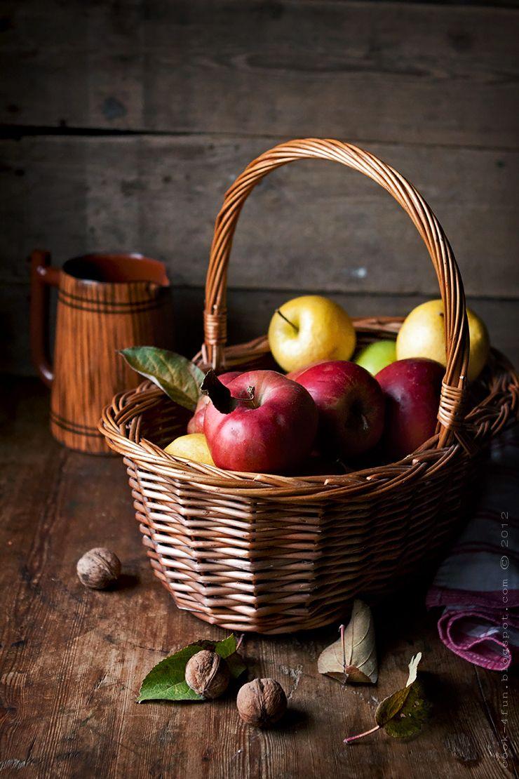 Ябълки Fruits and vegetables images, Vegetable basket