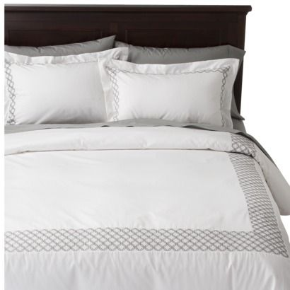 Hotel Bedding Target 90 100 Fieldcrest Luxury Embroidered Hotel Duvet Cover Set White With Images Chic Master Bedroom Comforter Master Bedroom Hotel Duvet Covers