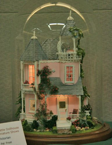 Victorian house in 1:48 scale exhibited by Pat Frost at the Fall 2010 Seattle Dollhouse Miniature Show