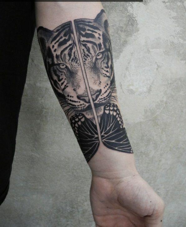 1001 oberarm und unterarm tattoo ideen vorlagen unterarm tattoo wirken und tattoo ideen. Black Bedroom Furniture Sets. Home Design Ideas