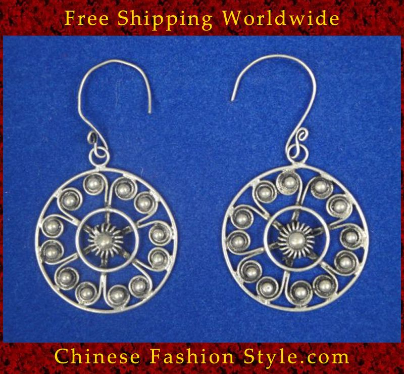 Tribal Silver Earrings Chinese Ethnic Hmong Miao Jewelry #106 Uniquely Handmade http://www.chinesefashionstyle.com/earrings/
