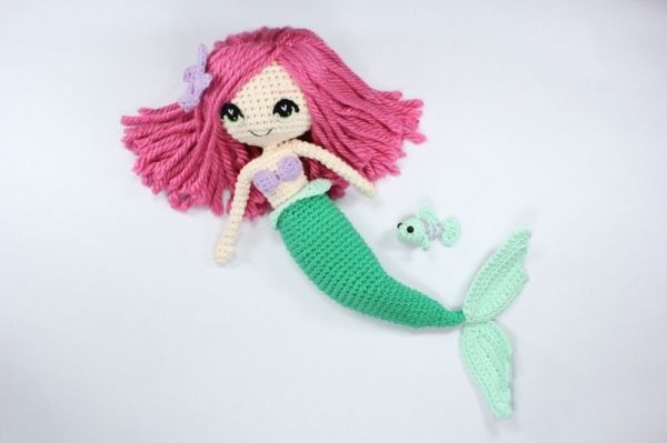 Free Amigurumi Mermaid Patterns : The little mermaid with removable tail and fish friend amigurumi