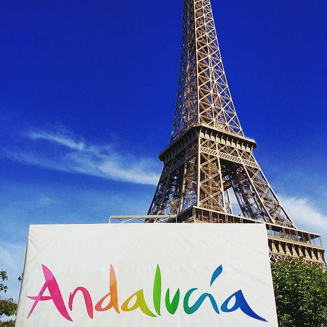 ¡Orgullosos de mostrar un trocito de #Andalucía en #París! / We are proud to have #Andalusia in #Paris! / Nous sommes fières de vous apporter un petit morceau d' #Andalousie à Paris!  #siloinetsiproche #tumejortu #España #Spain #Espagne #turismo #tourism #tourisme #viajes #viajar #travel #voyager #Francia #France