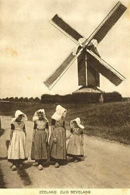 Kwadendamme en Klederdrachten van Zuid-Beveland #Zeeland #ZuidBeveland #katholiek