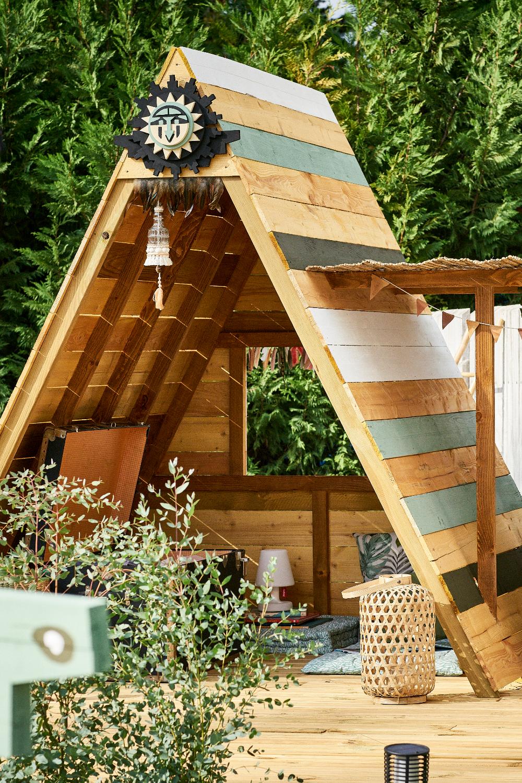 Une Cabane Diy Comme Un Tipi En 2020 Cabane Exterieur Enfant Cabane Jardin Cabane Jardin Enfant