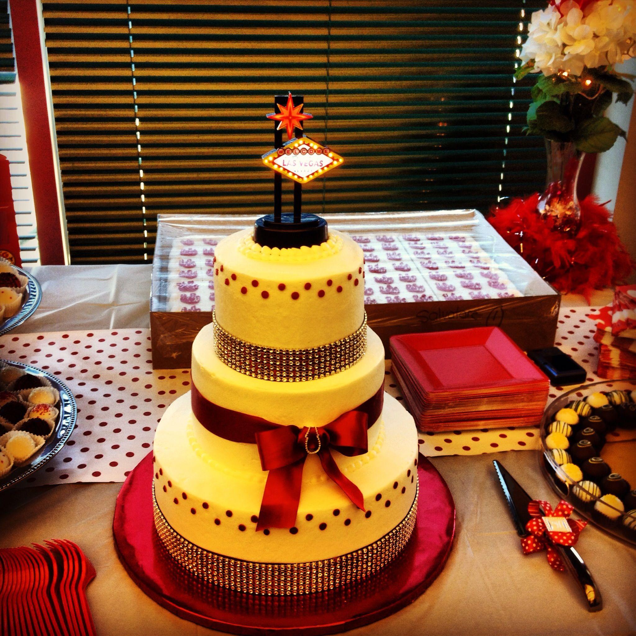 Vegas Wedding Vegas wedding, Amazing cakes, Cupcake cakes