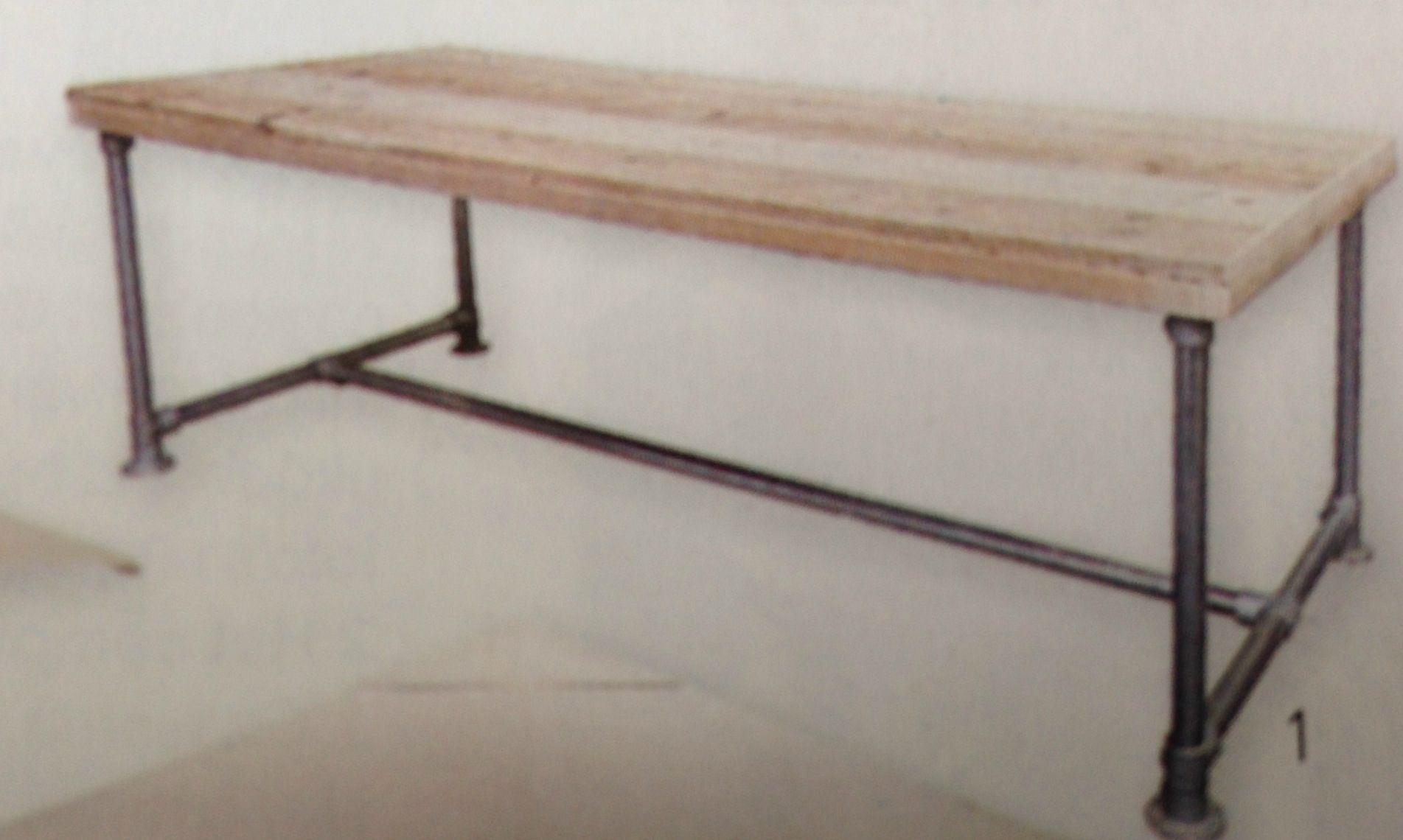 Bureau: Geborstelde en geschuurde houten tafel met onderstel van steigerbuizen #wooddesign4you