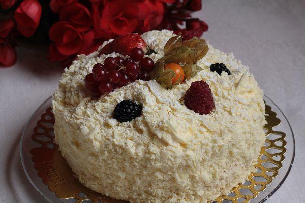 Whitechocolate-Raspberry Mousse Cake, Laurell, Finnish Bakery, February 2016