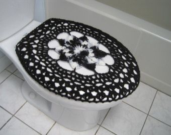 Crochet toilet seat cover or crochet tank lid by ytang