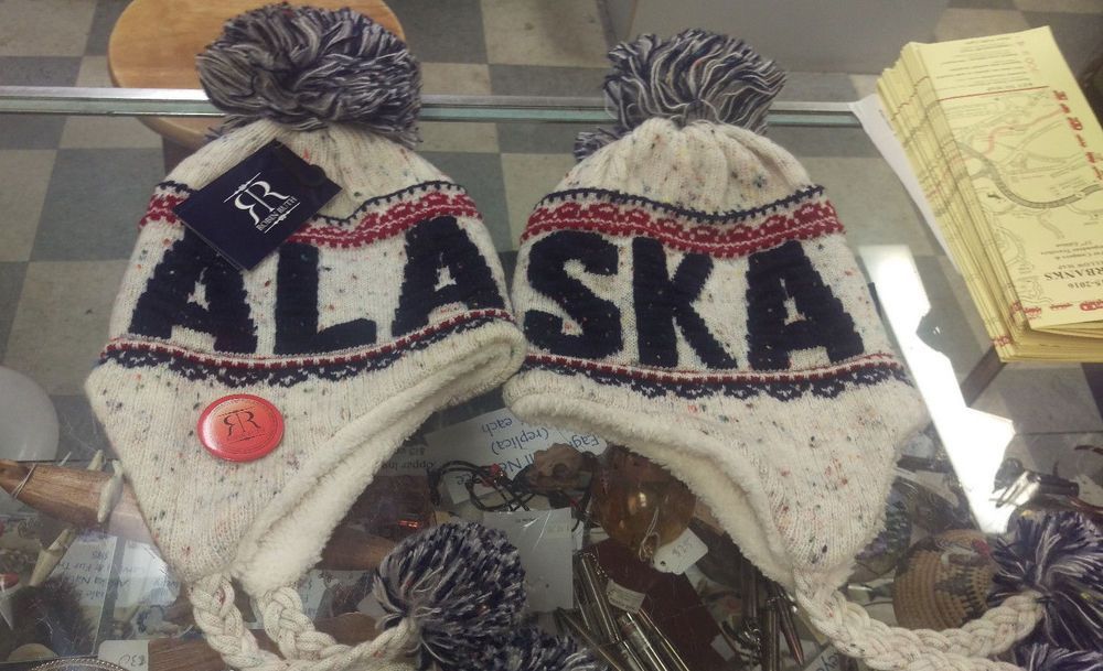 robin ruth alaska hat with tags and button nice soft. Black Bedroom Furniture Sets. Home Design Ideas