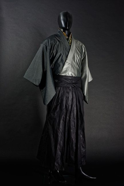 日本の男の服はやっぱ袴だ!とにかくカッコいい男着物を発信する「和次元 滴や」 | ガジェット通信