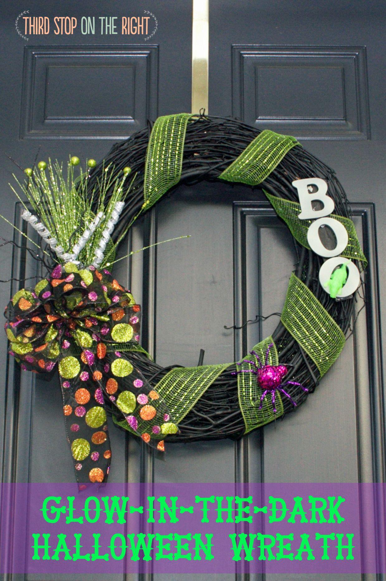 Easy to Make Glow-In-The-Dark Halloween Wreath Holiday wreaths - glow in the dark halloween decorations