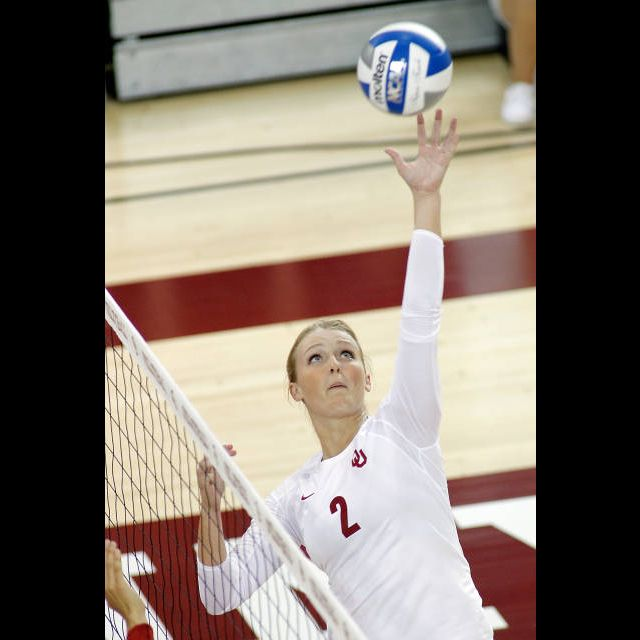 Time To Highlight One Of Our Awesome Ou Volleyball Players Julia Doyle Julia Led The Sooners In Assists In Every M Usa Volleyball College Junior Volleyball