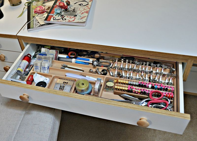 a sewing room makeover, great easy organization tips