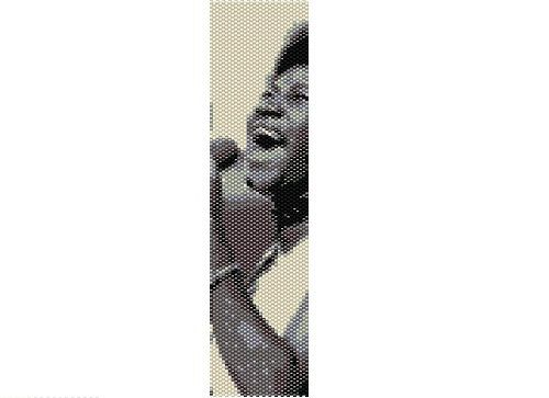 Queen of Soul now can be with you every day!    Makes an 8-coloured, 1.7 in/4.3 cm (32 columns) wide and 6.92 in/17.5 cm long bracelet with one-drop