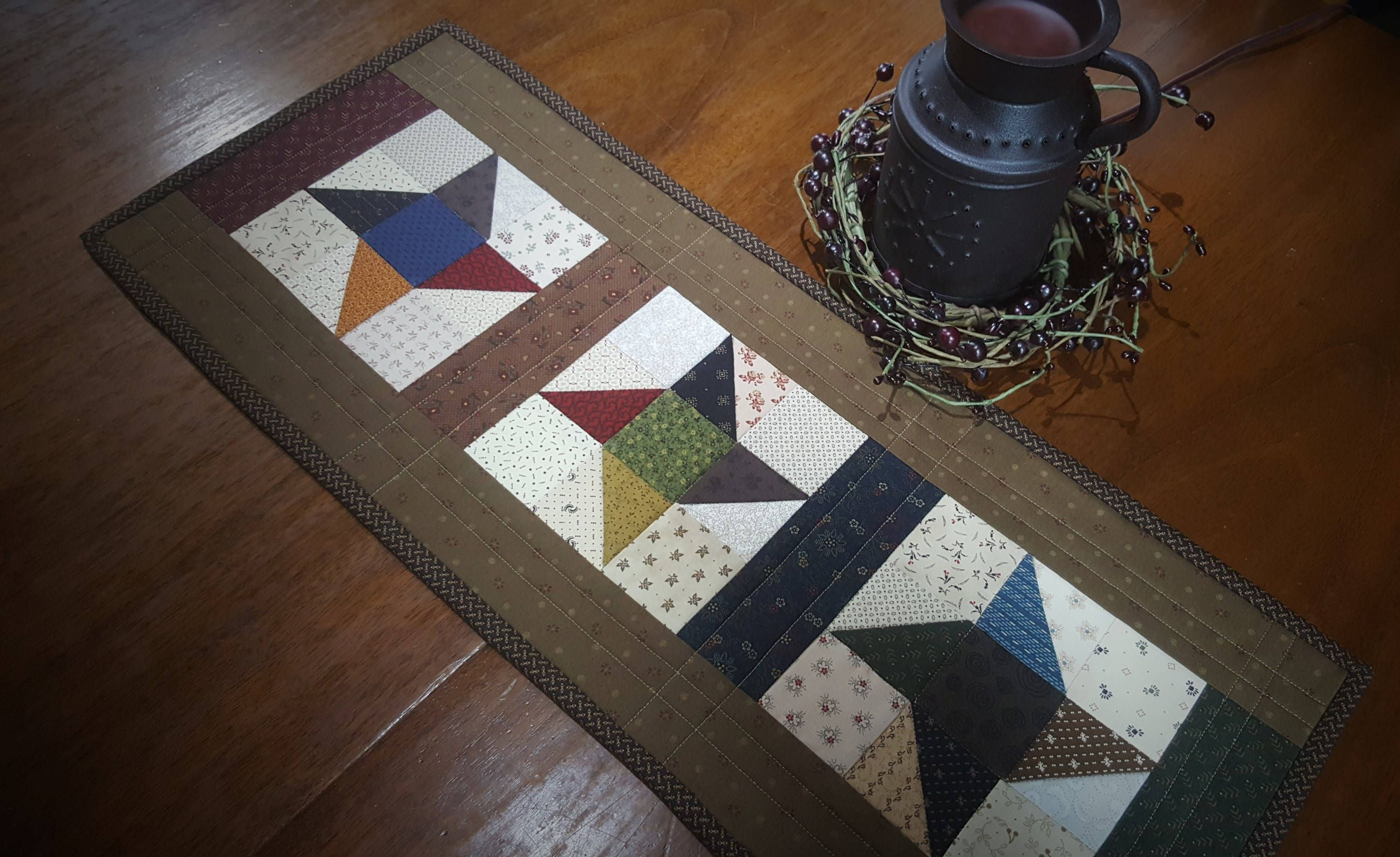 Charmant Quilted Table Runner / Quilted Friendship Star Table Runner/ Scrappy Table  Runner/ Primitive Table / Country Quilted Table Runner/ Handmade By Couu2026