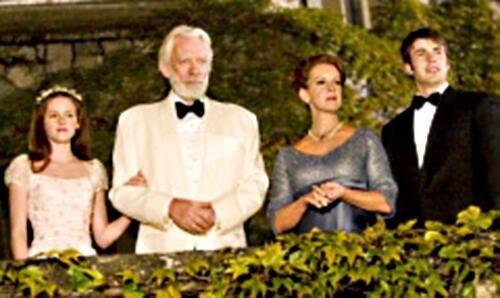 2005: Kristen Stewart, Donald Sutherland, Diane Lane and Chris Evans.