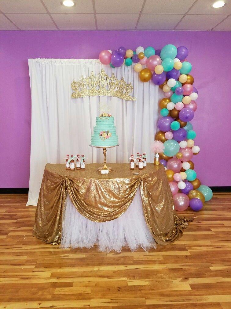 main table decoration  balloon garland  princess  crown