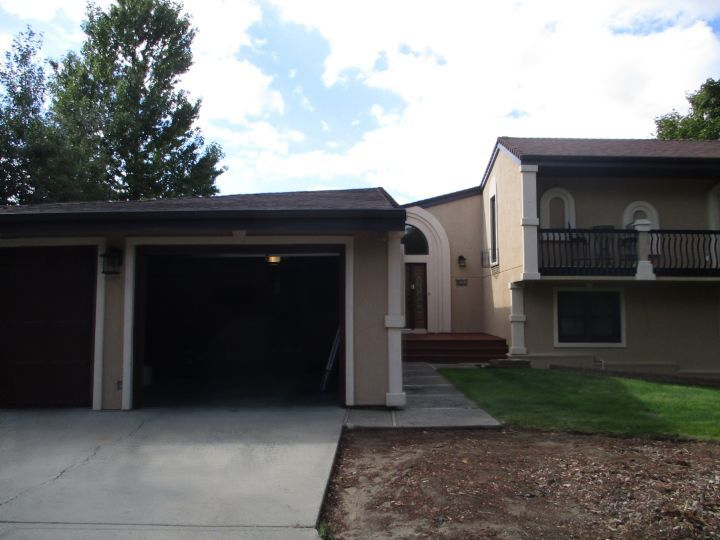 House with Outdoor Pool and Extra Living Spaces Billings