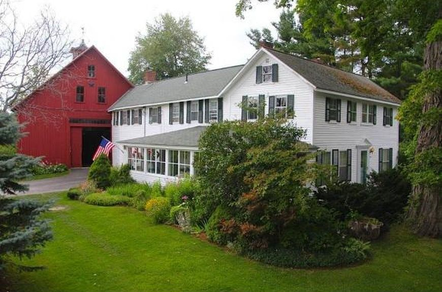 10 Francestown Tpke Mont Vernon Nh 03057 Mls 4441195 Zillow Types Of Houses Mont Vernon Architecture