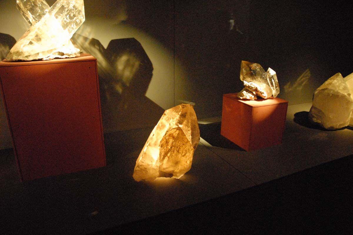 quartz pictures photos