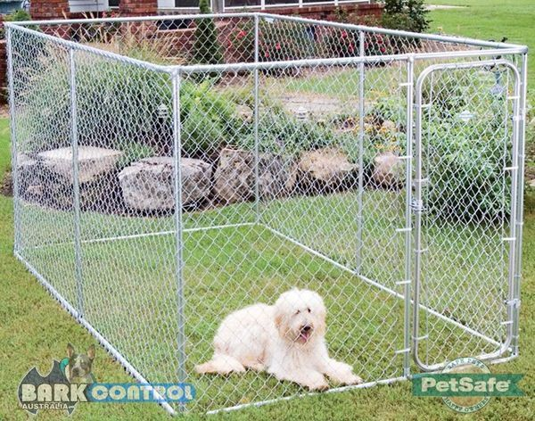 Dog Run | PetSafe Dog Enclosure, Quality Materials, Stop Escaping Dogs