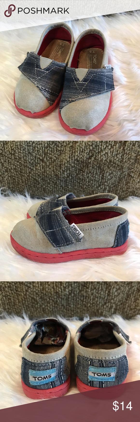 bcbfdd41d2a Toms Classic Canvas Shoes Sz T5 EUC Adorable   unique toddler Tiny TOMS.  Red sole