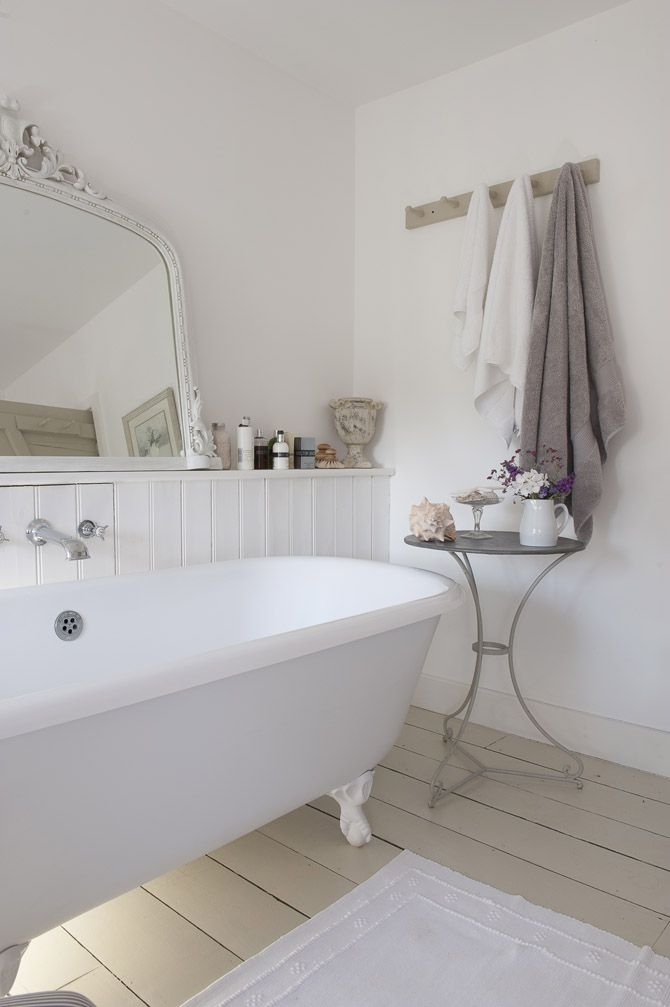 White country bathroom House - Bathrooms!!!! Pinterest - Idee Deco Maison De Campagne