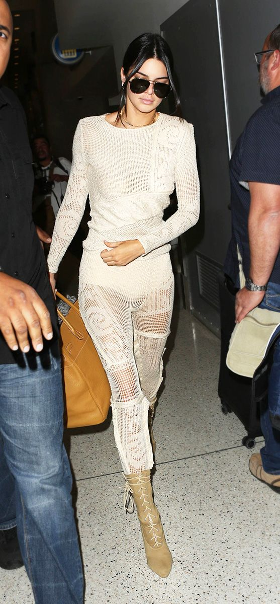 829daa9fa0a Kendall Jenner Wore Head-To-Toe White And Made It Look Edgy ...