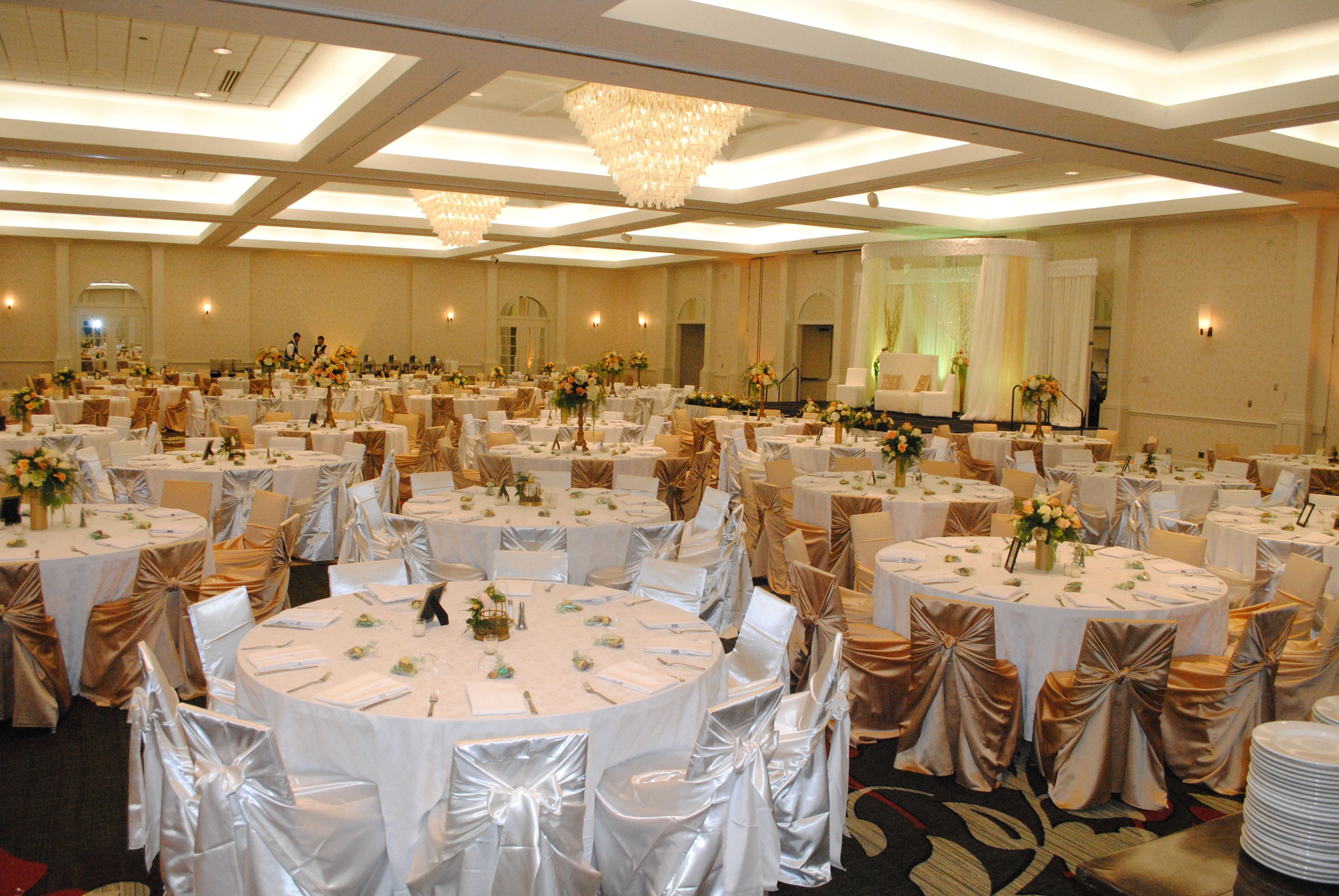 affordable wedding reception venues minnesota%0A Our MN Valley Ballroom  seating up to     or more guests  This elegant white