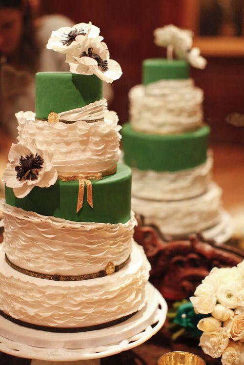 Emerald Green Wedding Cake Wedding Planning In 2019 Pinterest