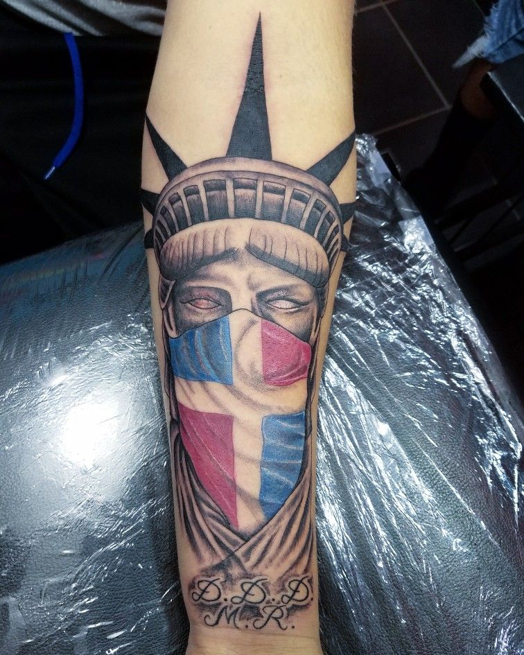 Tattoo Statue Of Liberty Estatua De La Libertad Pi Tattoo Pi