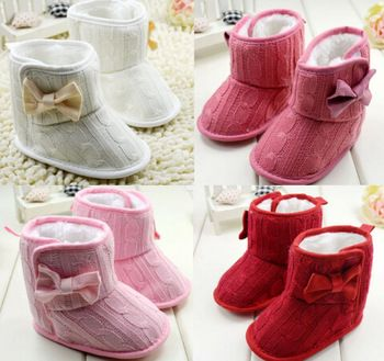 So small baby boots,beautiful knitting shoes,even I also want to wear but impossible