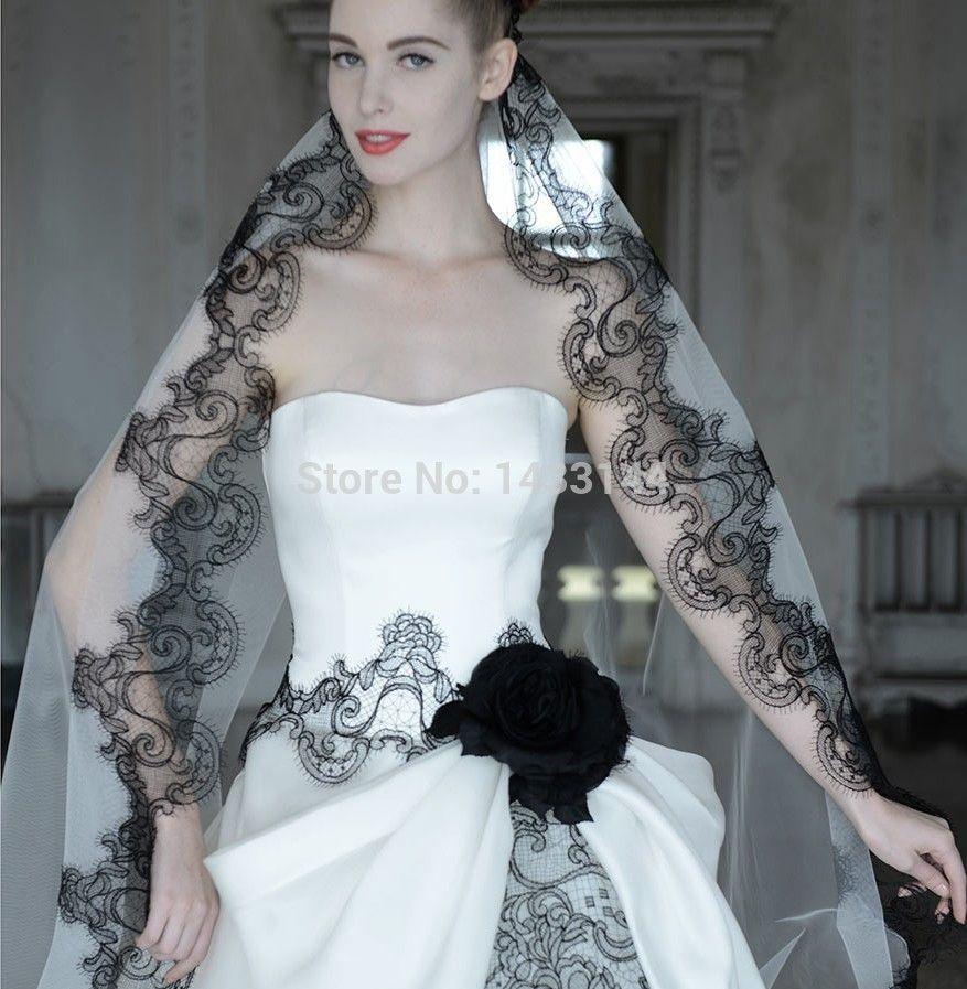 black white wedding dress Vintage Black And White Wedding Dresses Gothic Plus Size Sweetheart Long Flowers Appliques bridal Gowns Vestidos Noivas